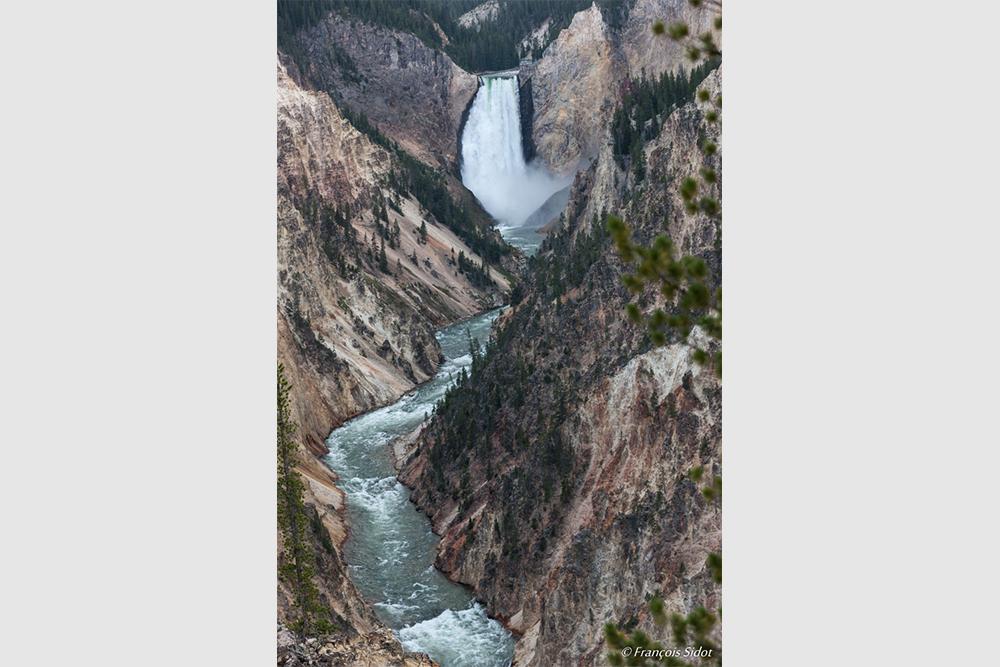 Cascade de la Rivière Yellowstone