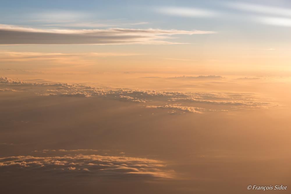 Couché de soleil dans les nuages 2